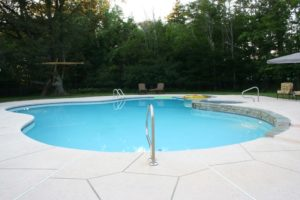 advantages of concrete swimming pools